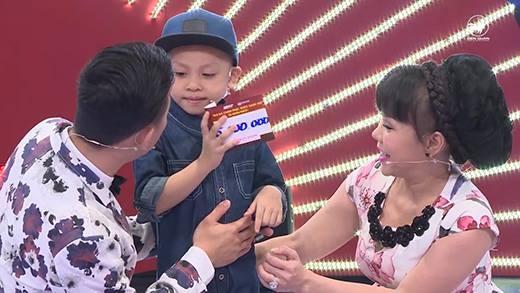 Siêu nhí triệu lượt xem An Khang khiến Trấn Thành, Việt Hương