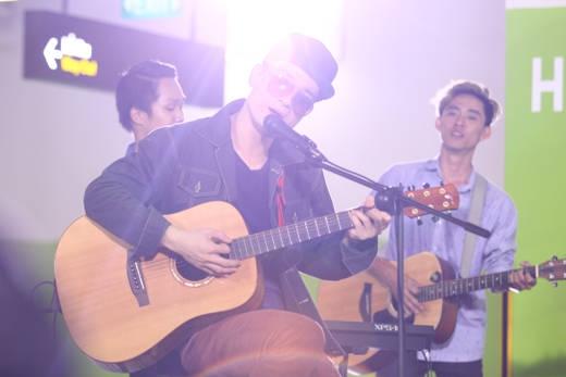 Your Heart là ca khúc đầu tiên Hà Okio trình bày trong Mộc. Đây cũng chính là ca khúc giúp cho Hà Okio trở thành nghệ sĩ Việt Nam đầu tiên nhận được đề cử Grammy năm 2013.