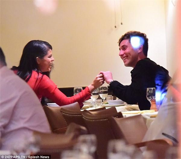 Cặp đôi mới của Hollywood cũng đã bị bắt gặp khi cùng ăn tối tại một nhà hàng ở New York.