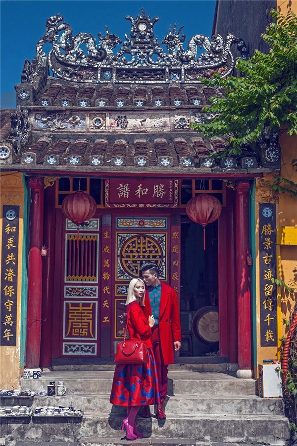 Những sắc màu tình yêu của Đỗ Mạnh Cường gần như hòa quyện vào trong đất trời thơ mộng của phố cổ Hội An với kiến trúc mang đậm văn hóa Á Đông.
