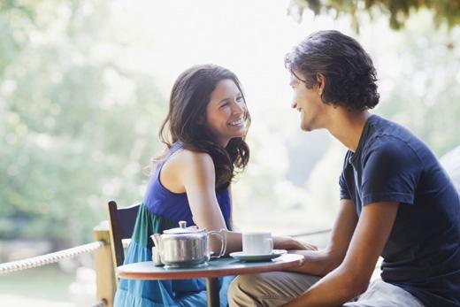 Cố gắng đem đến tiếng cười cho buổi hẹn của bạn.(Ảnh: Internet)
