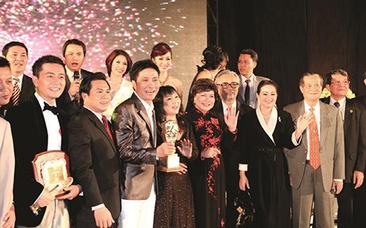 """Tiến sĩ, kiến trúc sư Đào Đức Nghĩa, Chủ tịch Cotec Group – người đầu tiên được vinh danh giải thưởng """"Mark of Respect""""."""