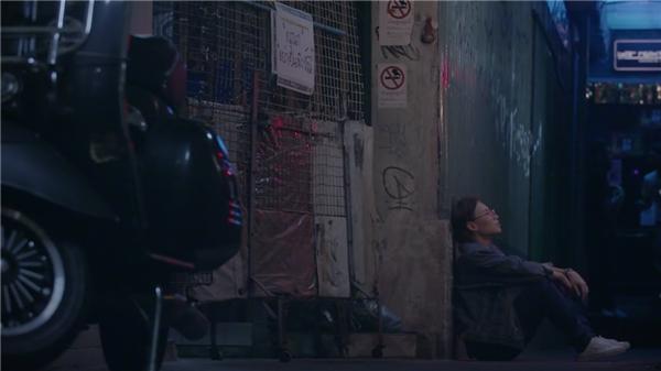 Thông qua MV mới, Tiên Cookie muốn mang lại cho khán giả hình ảnh về một nữ ca sĩ – nhạc sĩ trẻ với những sản phẩm âm nhạc và phong cách ăn mặc thật trau chuốt và tỉ mỉ. - Tin sao Viet - Tin tuc sao Viet - Scandal sao Viet - Tin tuc cua Sao - Tin cua Sao
