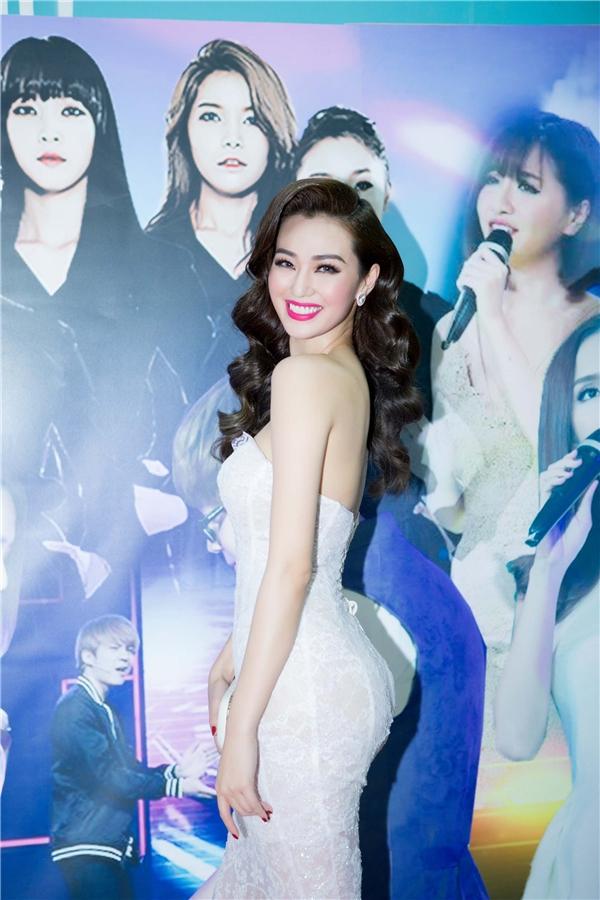 Hiện tại, nữ diễn viên gốc Kiên Giang vừa hoàn thành xong vòng ghi hình đầu tiên cho Bước nhảy hoàn vũ, sẽ lên sóng vào 30/1. - Tin sao Viet - Tin tuc sao Viet - Scandal sao Viet - Tin tuc cua Sao - Tin cua Sao
