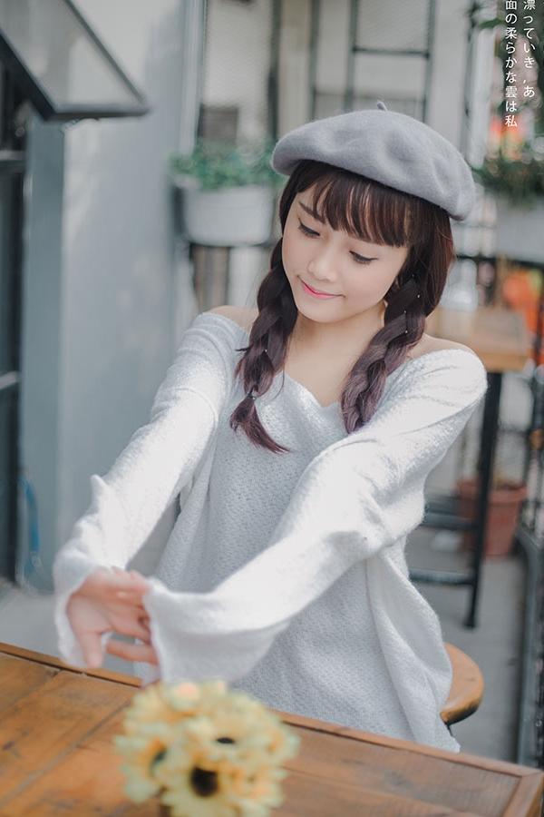 Với những người không biết năm sinh thật của Ngọc, đều nhầm lẫn và cho rằng cô bạn này chỉ đang học trung học cơ sở.