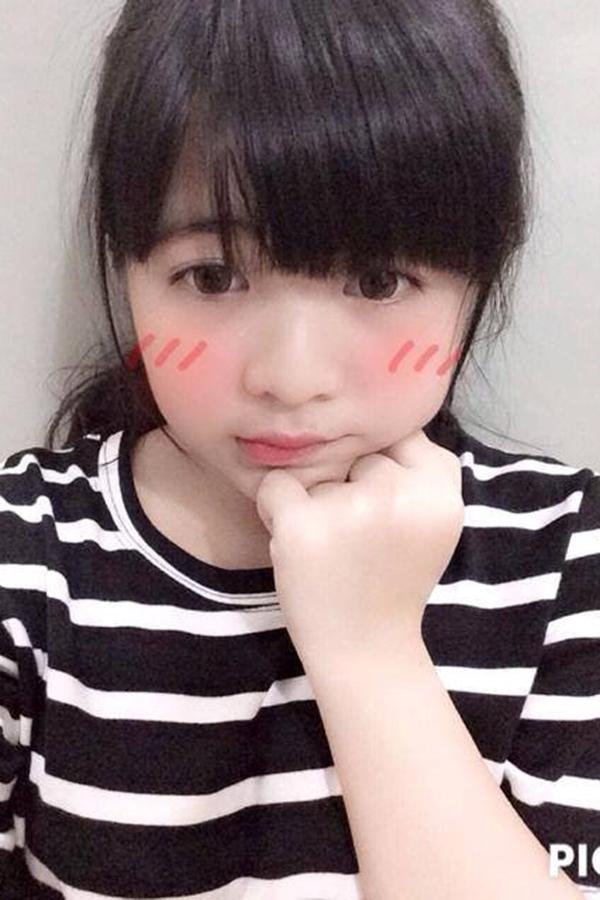 Nhìn những bức ảnh của cô bạn, nhiều người không nghĩ rằng Vân Khanh thuộc thế hệ 9X bởi gương mặt tròn trĩnh và rất trẻ.