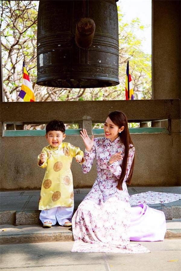 Diệp Bảo Ngọc là một trong những bà mẹ đơn thân quyến rũ nhất showbiz Việt. - Tin sao Viet - Tin tuc sao Viet - Scandal sao Viet - Tin tuc cua Sao - Tin cua Sao