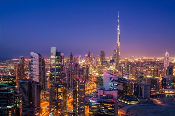 Phải chăng nơi đây là thành phố của hàng tỉ ngọn đèn?(Ảnh: Bored Panda)