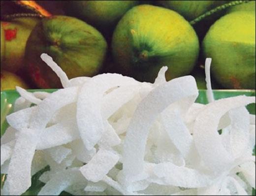 Mứt dừa sau khi khô có mùi rất thơm.(Ảnh:Internet)