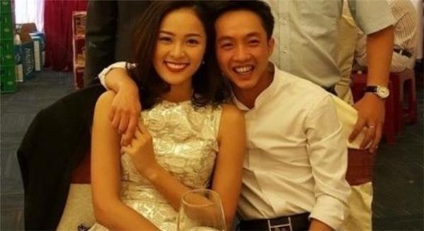 Cả hai trong lần về dự đám cưới của bạn thân tại quê nhà của Cường Đôla. - Tin sao Viet - Tin tuc sao Viet - Scandal sao Viet - Tin tuc cua Sao - Tin cua Sao