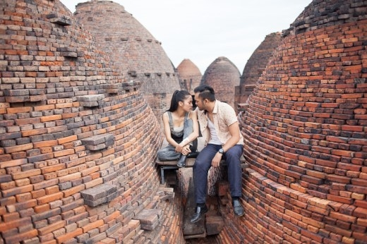 Petey Nguyễn - Nhung Kate phối hợp bắt tội phạm tại ga Sài Gòn - Tin sao Viet - Tin tuc sao Viet - Scandal sao Viet - Tin tuc cua Sao - Tin cua Sao