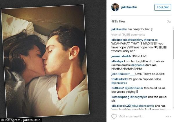 Bức ảnh khiến nhiều fan nữ ghen tịvới cô nàngDanielle. Ảnh: Internet