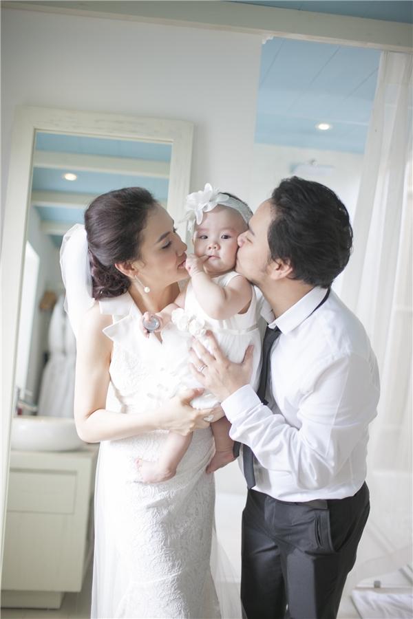 """""""Công chúa nhỏ"""" của Trang Nhung được nhiều người nhận xét là thừa hưởng nét đẹp từ mẹ. - Tin sao Viet - Tin tuc sao Viet - Scandal sao Viet - Tin tuc cua Sao - Tin cua Sao"""
