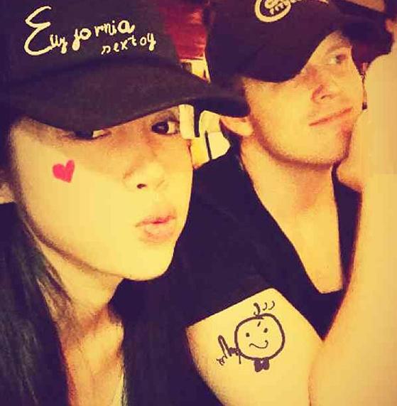 Bức ảnh cặp đôi của Elly Trần và Dane Fort được cư dân mạng chuyền tay nhau. (Ảnh: Internet) - Tin sao Viet - Tin tuc sao Viet - Scandal sao Viet - Tin tuc cua Sao - Tin cua Sao