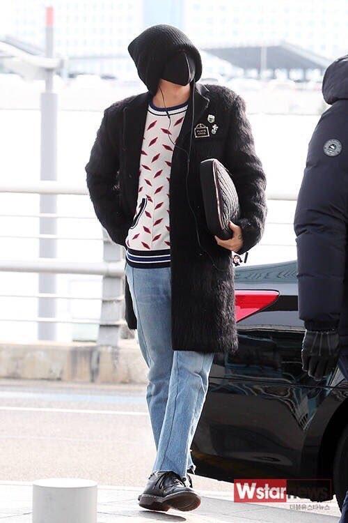 Vướng nghi vấn tái hợp Kiko, G-Dragon trùm kín mặt tại sân bay