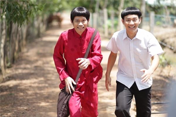 """Ông Nho với mái tóc """"bá đạo"""" chuyên hành nghề bốc thuốc tại một làng quê Việt Nam. - Tin sao Viet - Tin tuc sao Viet - Scandal sao Viet - Tin tuc cua Sao - Tin cua Sao"""