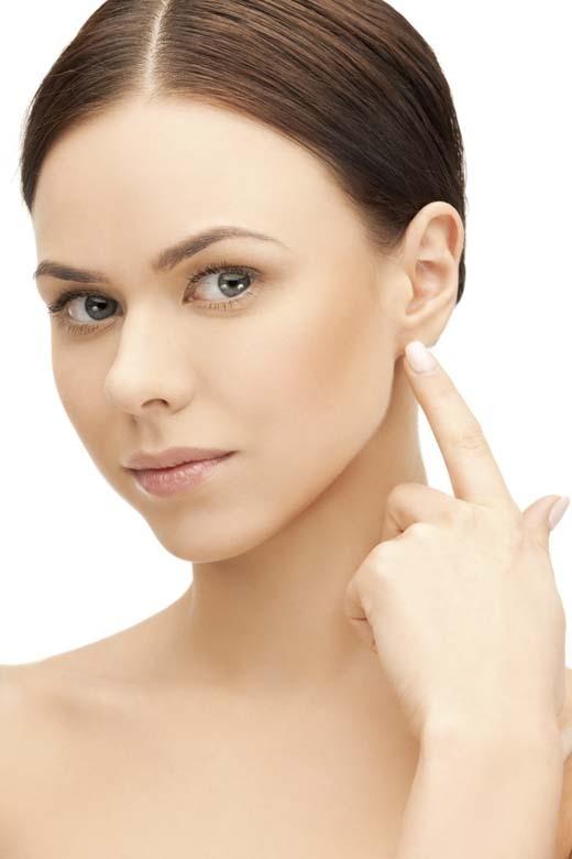 Việc mát-xa dái tai còn giúp bạn tỉnh táo hơn. (Ảnh:Internet)