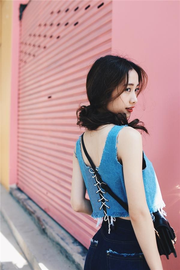 Jun Vũ trong bộ hình thời trang mới nhất tại Việt Nam.