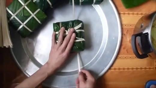 Phụ mẹ gói bánh chưng tết này, tại sao không nhỉ?