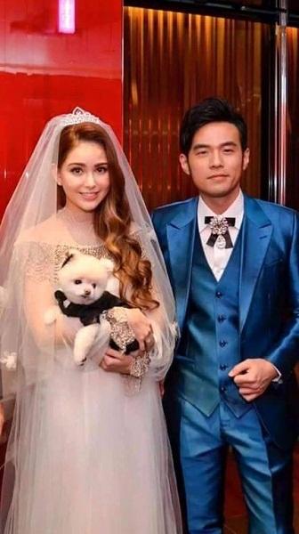 Côn Lăng và Châu Kiệt Luân hẹn hòvào năm 2010. Họ chính thức trở thành vợ chồng vào đầu năm 2015.