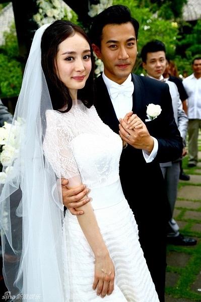 Lưu Khải Uy và Dương Mịch hẹn hò năm 2012. Họ kết hôn vào tháng 1/2014.