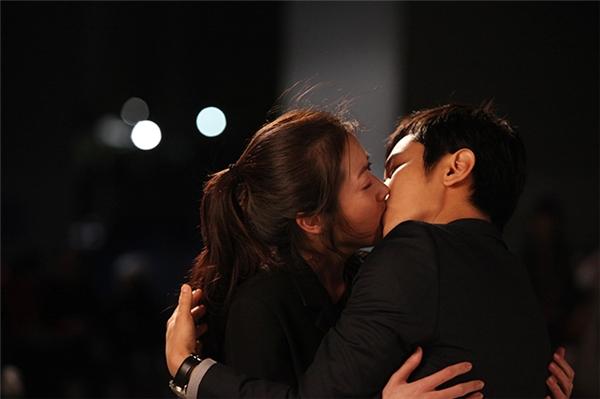 """7 khoảnh khắc """"chuẩn nhất"""" để trao nụ hôn ngọt ngào cho bạn trai"""