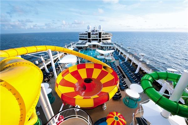 Đường trượt Epic Plunge, du thuyền Na Uy (Ảnh: Internet)