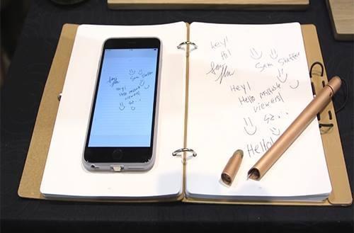 """Xuất hiện """"bút thần"""" có thể tự ghi nhớ nội dung viết trên giấy"""