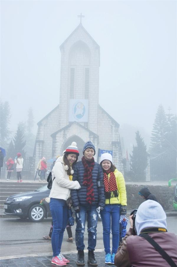 Nhiệt độ ở Sa Pa đang xuống rất thấp, sương mù bao phủ khắp nơi. Nhiều khách du lịch đã về đây để chuẩn bị ngắm tuyết rơi. Ảnh: Internet