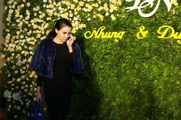 Cô dâu Trang Nhung đẹp lộng lẫy trong tiệc cưới tại Hà Nội - Tin sao Viet - Tin tuc sao Viet - Scandal sao Viet - Tin tuc cua Sao - Tin cua Sao