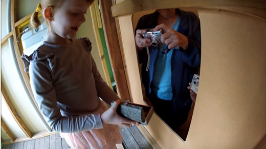 Cô bé 7 tuổi phát hiện bản đồ kho báu và sự thật bất ngờ