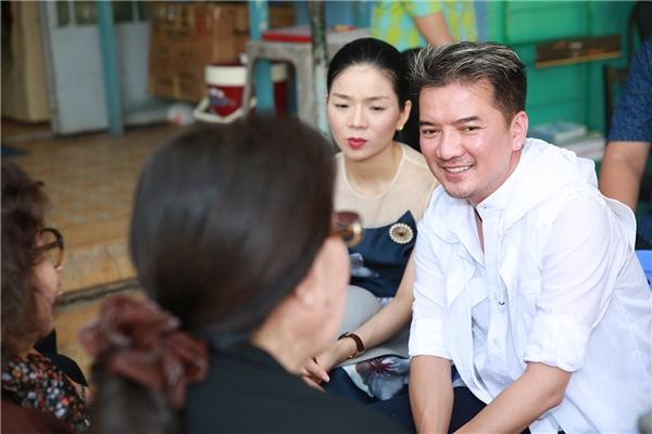 Mr.Đàm chung tay cùng đồng nghiệp mang Tết đến với nghệ sĩ nghèo - Tin sao Viet - Tin tuc sao Viet - Scandal sao Viet - Tin tuc cua Sao - Tin cua Sao