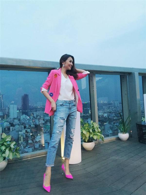 Trong chương trình Vietnam's Next Top Model, Thanh Hằng luôn mang đến những bữa tiệc thời trang tuyệt vời. Cô trải nghiệm nhiều tạo hình, phong cách khác nhau với sự giúp đỡ của stylist Hoàng Ku.