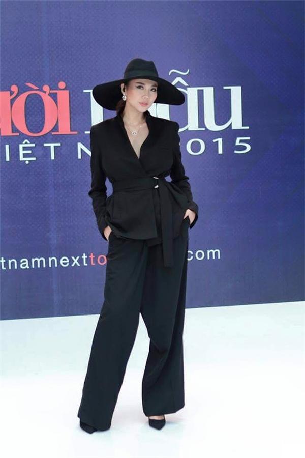Thanh Hằng - nữ hoàng thời trang đẳng cấp năm 2015