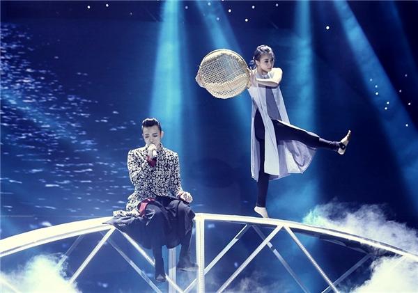Soobin Hoàng Sơn da diết với tiếng đàn bầu - Tin sao Viet - Tin tuc sao Viet - Scandal sao Viet - Tin tuc cua Sao - Tin cua Sao