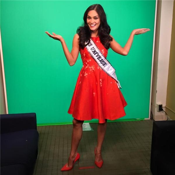 Trong một tháng qua, Hoa hậu Hoàn vũ 2015 đã rất bận rộn bớihàng trăm cuộc phỏng vấn với báo chí, truyền thông.