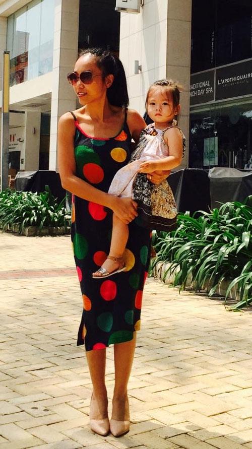 Đoan Trang khoe ảnh hạnh phúc bên chồng Tây và con gái - Tin sao Viet - Tin tuc sao Viet - Scandal sao Viet - Tin tuc cua Sao - Tin cua Sao