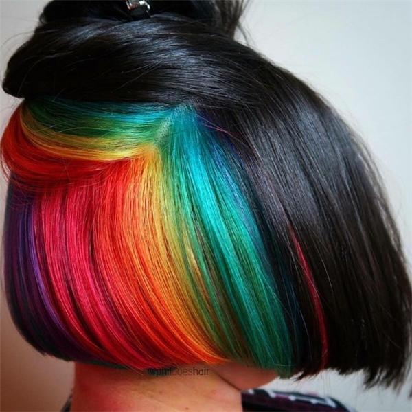 """Những mảng """"cầu vồng"""" trên tóc như thế này sẽ cực hút ánh nhìn mỗi lần bạn vuốt tóc đấy nhé! (Ảnh: Internet)"""