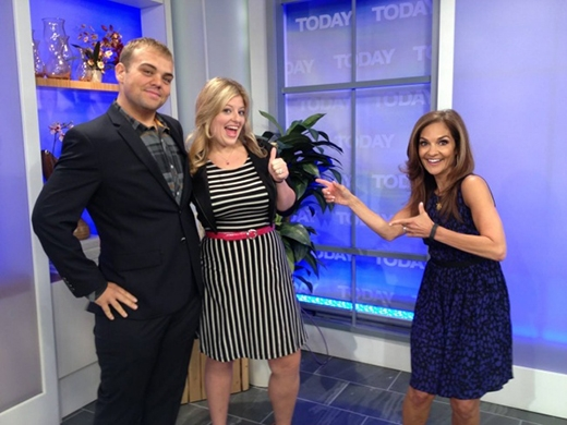 Vợ chồng Justin và Lauren Shelton được hoan nghênh trên một chương trình truyền hình của Mỹ. (Ảnh: dofiga)