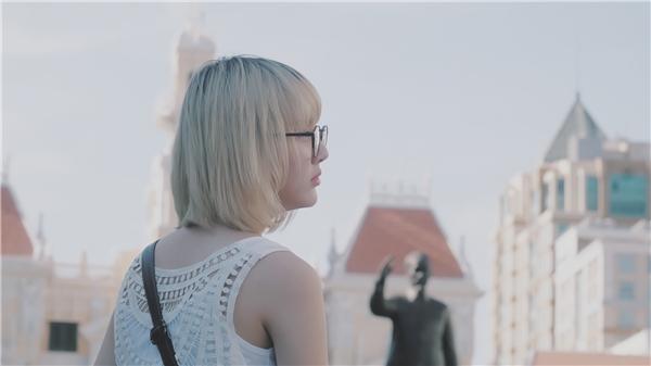 Bất ngờ bắt gặp hotgirl nổi tiếng người Thái Lan tại Sài Gòn