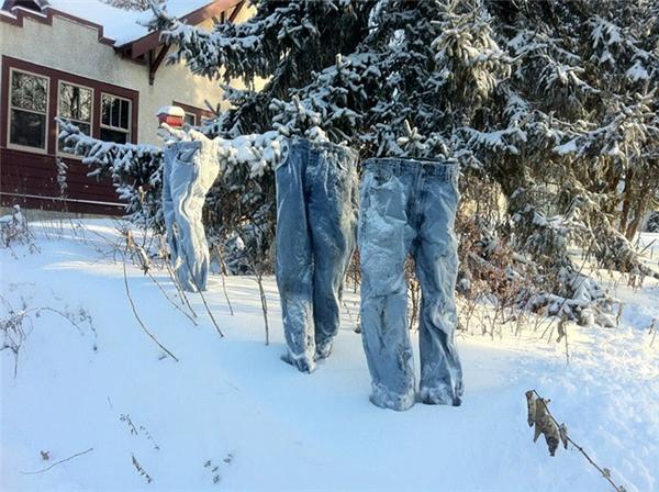 """""""Chiếc quần jean ma"""" và sự thật đằng sau khiến bạn ngạc nhiên"""
