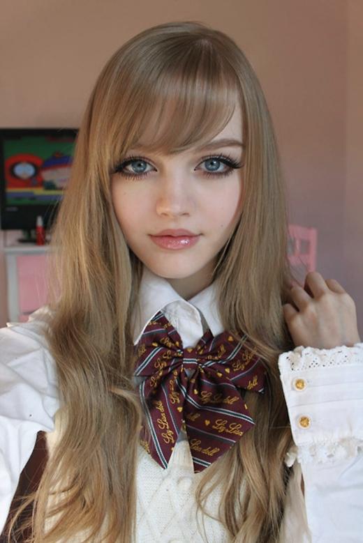 Phát sốt với búp bê Barbie phiên bản người thật