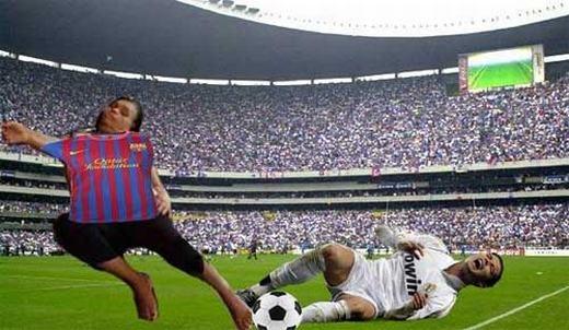 """Thì ra Ronaldo bị ngã trong trận cầu """"siêu kinh điển""""là do người phụ nữ này! (Ảnh: Internet)"""