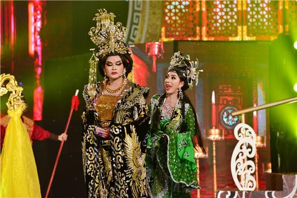 Hoa hậu hài Thu Trang bị tố hát nhép ngay trên sân khấu - Tin sao Viet - Tin tuc sao Viet - Scandal sao Viet - Tin tuc cua Sao - Tin cua Sao