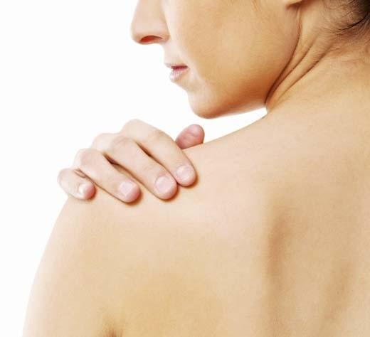Nếu không dưỡng ẩm da sẽ trở nên khô ráp và dễ bị mụn (Ảnh: Internet)
