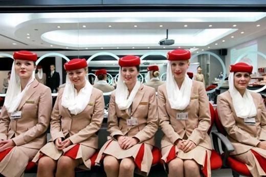 Để trở thành tiếp viên hàng không là điều không dễ. (Ảnh: Internet)