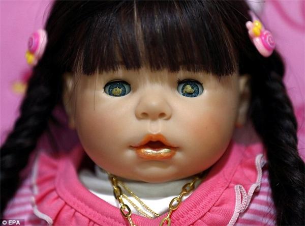 Những con búp bê được cho là có mang linh hồn. (Ảnh: EPA)