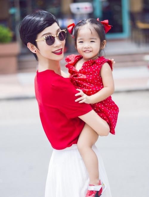 Xuân Lan cho biết, con gái là tài sản, tình yêu lớn nhất của cô.      - Tin sao Viet - Tin tuc sao Viet - Scandal sao Viet - Tin tuc cua Sao - Tin cua Sao