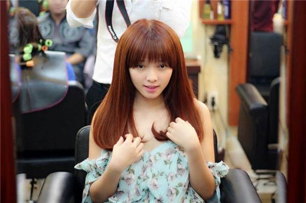Nữ diễn viên Việt Huê - bà xã của Lê Hoàng (The Men) cũng là một trong những khách hàng thân thiết của Tiến Dũng. - Tin sao Viet - Tin tuc sao Viet - Scandal sao Viet - Tin tuc cua Sao - Tin cua Sao