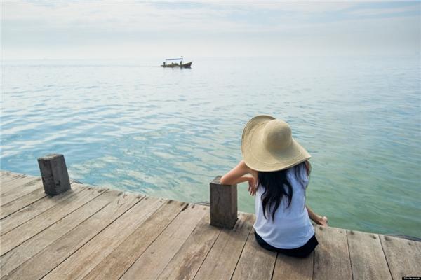 13. Du lịch trái mùa. Đừng chọn những chuyến đi vào dịp lễ hội hay mùa đông khách của một đất nước nào đó, chẳng hạn như hãy đến Malaysia vào tháng 11, Thái Lan vào tháng 1…(Ảnh minh họa - Nguồn: Internet)